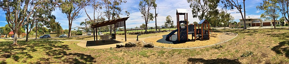 Mckellar Terrace Reserve Panorama 1