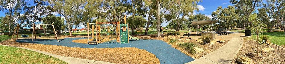 Maldon Avenue Reserve Panorama 3