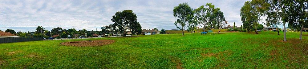 Strutt Court Reserve Panorama 1