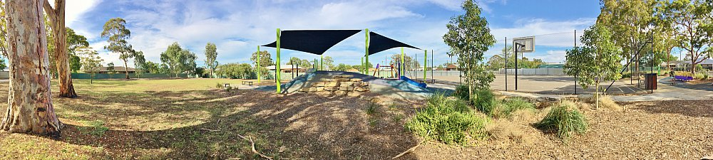 Mulcra Avenue Reserve 20190107 Panorama 3