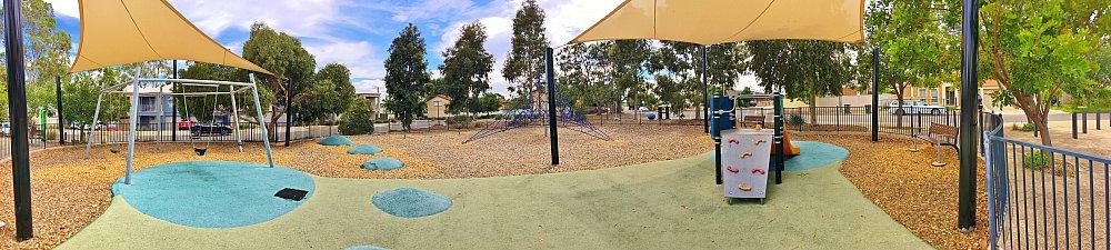 Harbrow Grove Reserve 20190107 Playground Panorama 1