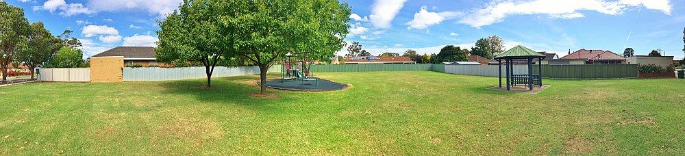 Peterson Avenue Reserve Panorama 3