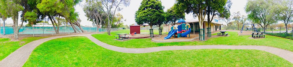 Hessing Crescent Reserve Playground Panorama 1