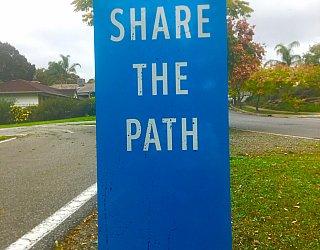 Hugh Johnson Boulevard Reserve Path Signage 2