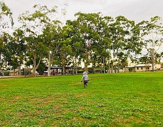 Sandery Avenue Reserve Grass Kick About 2 Zb