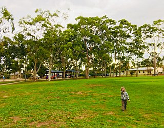 Sandery Avenue Reserve Grass Kick About 1 Zb