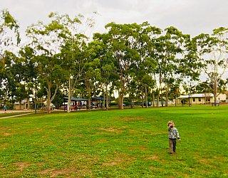 Sandery Avenue Reserve Grass Kick About 1 Zb