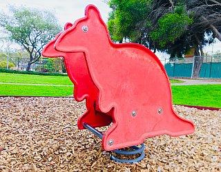 Hessing Crescent Reserve Playground Kangaroo Springer 1