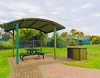 Hessing Crescent Reserve Playground Bbq