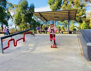 Oaklands Reserve Oaklands Recreation Plaza Skate Flat Bank Zb 1