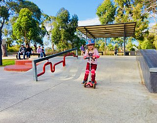 Oaklands Reserve Oaklands Recreation Plaza Skate Flat Bank Zb 2