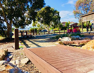 Glade Crescent Reserve Junior Playground Brdige 4