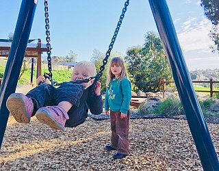 Glade Crescent Reserve Junior Playground Baby Swing 3 Eb Zb