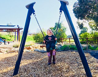Glade Crescent Reserve Junior Playground Baby Swing 2 Eb Zb