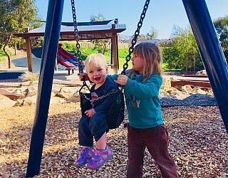 Glade Crescent Reserve Junior Playground Baby Swing 1 Eb Zb