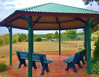 Mcconnell Avenue Reserve Shelter