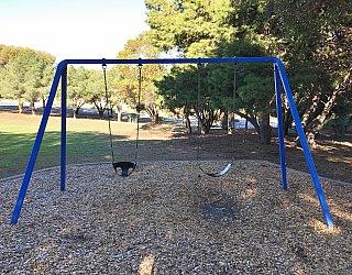 Nannigai Drive Reserve Swings