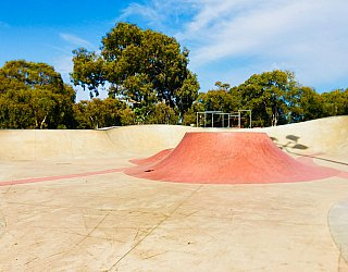 Oaklands Reserve Oaklands Recreation Plaza Skate Volcano 2