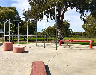 Oaklands Reserve Oaklands Recreation Plaza Parkour 4
