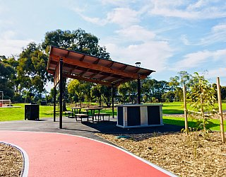 Oaklands Reserve Oaklands Recreation Plaza Facilities Picnic 4