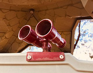 Cowra Crescent Reserve South Playground Binoculars