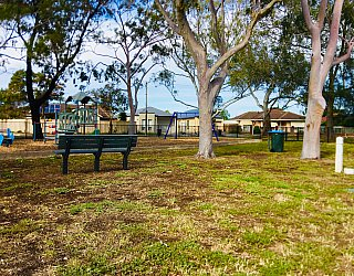 Cowra Crescent Reserve South Seat 2