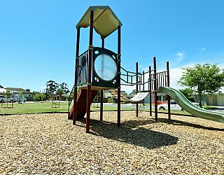 Weaver Street Reserve Playground Multistation 1
