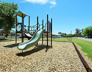 Weaver Street Reserve Playground Multistation 2
