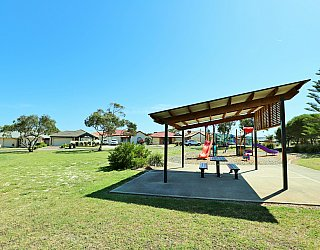 Chatsworth Court Reserve Facilities Picnic 2