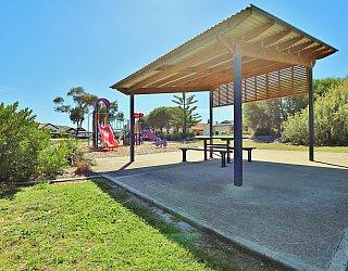 Chatsworth Court Reserve Facilities Picnic 3