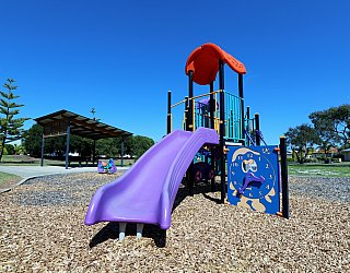 Chatsworth Court Reserve Playground Multistation 1