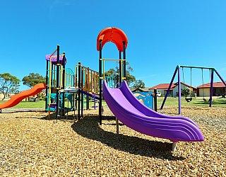 Chatsworth Court Reserve Playground Multistation 6