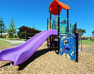 Chatsworth Court Reserve Playground Multistation 7