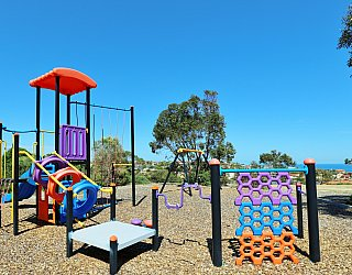 Columbia Crescent Reserve Playground Multistation 1