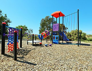Columbia Crescent Reserve Playground Multistation 2