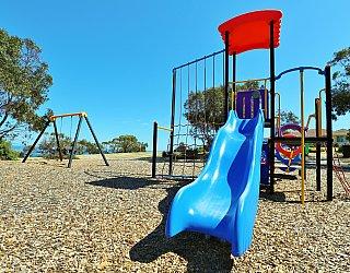 Columbia Crescent Reserve Playground Multistation 4