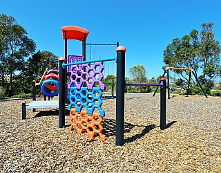 Columbia Crescent Reserve Playground Multistation 7