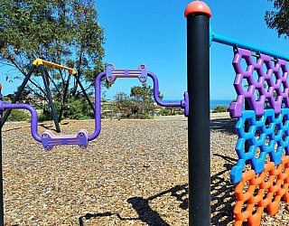 Columbia Crescent Reserve Playground Multistation 8