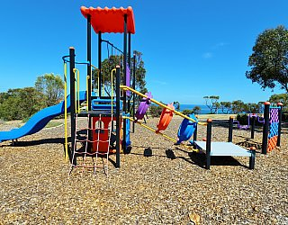 Columbia Crescent Reserve Playground Multistation 9