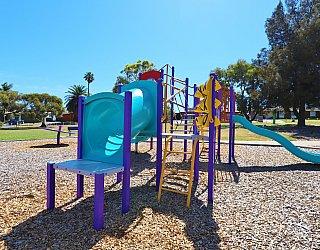 Koomooloo Crescent Reserve Playground Multistation 1