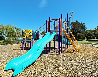 Koomooloo Crescent Reserve Playground Multistation 2