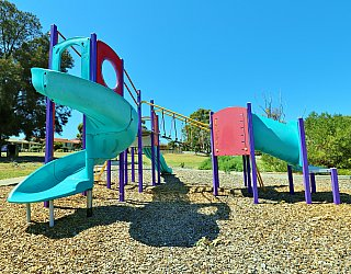 Koomooloo Crescent Reserve Playground Multistation 4