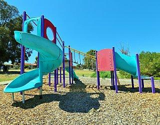 Koomooloo Crescent Reserve Playground Multistation 4