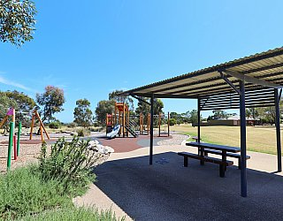 Spinnaker Circuit West Reserve Facilities Picnic 3