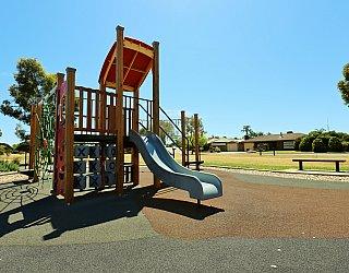 Spinnaker Circuit West Reserve Playground Multistation 1