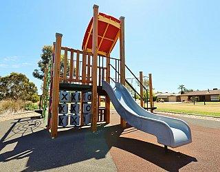 Spinnaker Circuit West Reserve Playground Multistation 2