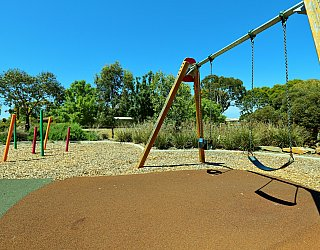Spinnaker Circuit West Reserve Playground Swings 1