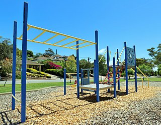 Alpine Road Reserve Playground Multistation 1