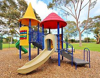 Hamilton Park Reserve Playground Multistation 5