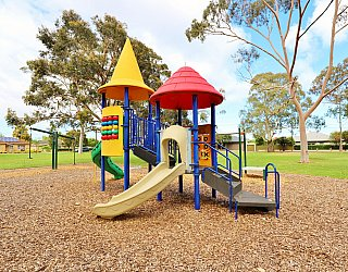 Hamilton Park Reserve Playground Multistation 8